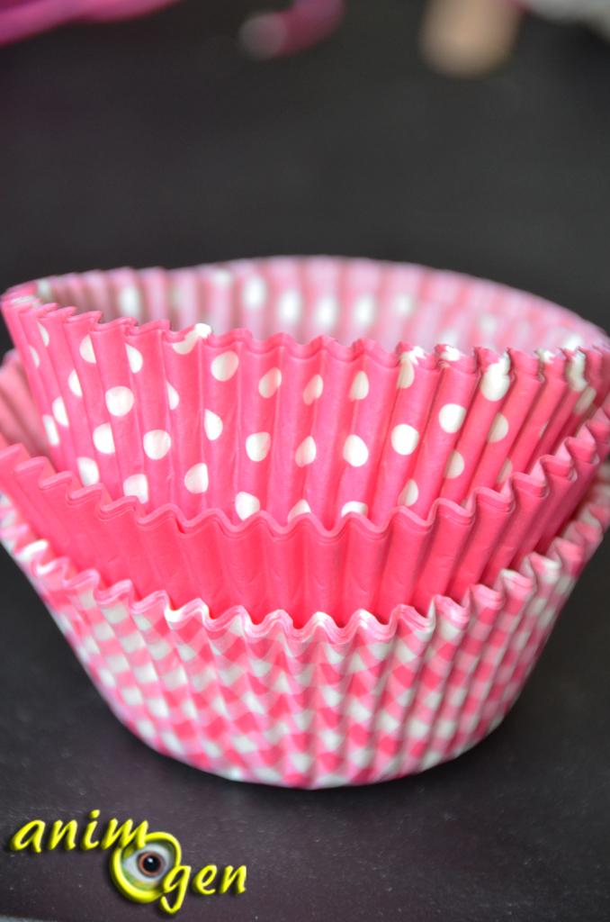 coupelle papier cupcake id e d 39 image de g teau. Black Bedroom Furniture Sets. Home Design Ideas