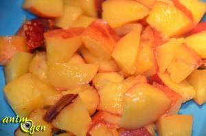 Alimentation : la nectarine jaune, un concentré d'énergie et de vitamines pour nos perroquets