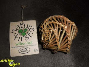 "Jouet pour lapins et rongeurs : balle de foraging ""Willow Ball"", Nature First (Happypet)"