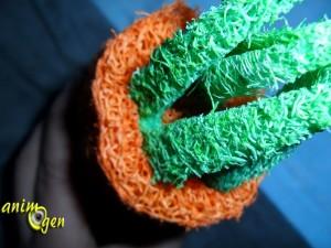 Jeu pour lapins, rongeurs et perroquets : carotte en loofah (Zolux)