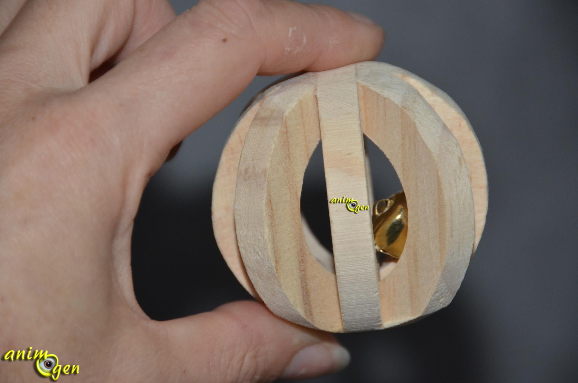 Jouet pour lapin et rongeur balle en bois avec grelot trixie animogen - Jeux pour lapin a fabriquer ...