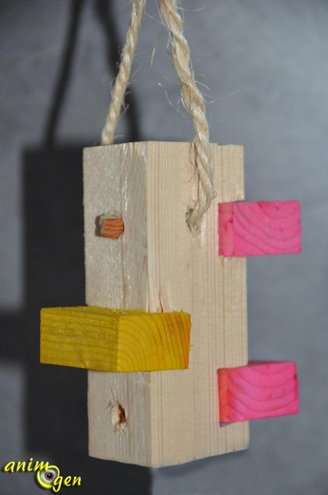 jouet fabriquer tour de babylone fourrager pour perroquets animogen. Black Bedroom Furniture Sets. Home Design Ideas