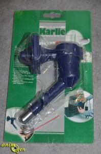 """Accessoire : transformez vos bouteilles en abreuvoirs avec """"AquaFix"""" (Karlie)"""