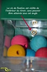 jeu-jouet-foraging-Creative-systems-four-big-drawers-tiroirs-plastique-bois-perles-perroquet-test-prix-oiseaux-psittacidés-animal-animaux-compagnie-animogen-6