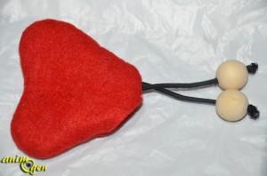 jouet-accessoire-chat-coeur-feutrine-saint-valentin-menthe-herbe-idée-fabrication-fabriquer-test-prix-animal-animaux-compagnie-animogen-15