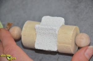Jouet en bois et pierre ponce pour lapins et rongeurs (Rongis Loft)