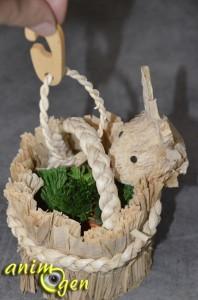 Jouet de foraging pour rongeurs et lapins : panier lapin et ses carottes (Tyrol)